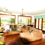 Creek St River House lounge - Nambucca Heads holiday rentals - holiday lettings. Mid North Coast accommodation near Valla Beach